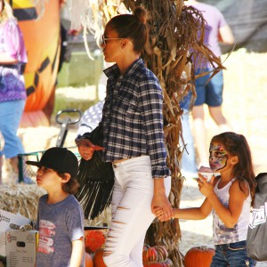 Jennifer Lopez takes her twins to the pumpkin patch for Halloween